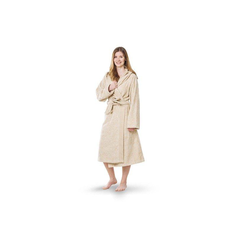Ženski kopalni plašč Relax iz bombažnega frotirja je zelo mehek in trpežen. Ker je prijeten na otip, ga boste z veseljem nosili. Prednost kopalnega plašča je gosto tkanje, ki zagotavlja odlično vpojnost, pri tem pa ne ustvarja dodatnega občutka teže, saj se hitro suši. Kopalni plašč ima kapuco in našita, globoka stranska žepa, ki omogočata še več udobja. S črtasto dekorarivno borduro za lepši izgled. Odlična izbira za v savno, wellness, fitnes ali po tuširanju. Kopalni plašč je pralen na 40 °C.