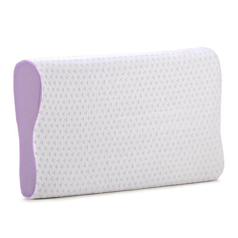 Anatomska oblika vzglavnika Lavender Memory iz spominske pene je primerna za vse, ki spite pretežno na boku ali hrbtu. Spominska pena združuje prednosti in lastnosti klasičnih vzglavnikov ter vzglavnikov iz lateksa. Popolnoma se prilagodi obliki in pritisku telesa, odlično podpira vrat in hrbtenico ter razbremeni telo med spanjem. Prevleka vzglavnika je snemljiva in pralna na 40 °C.