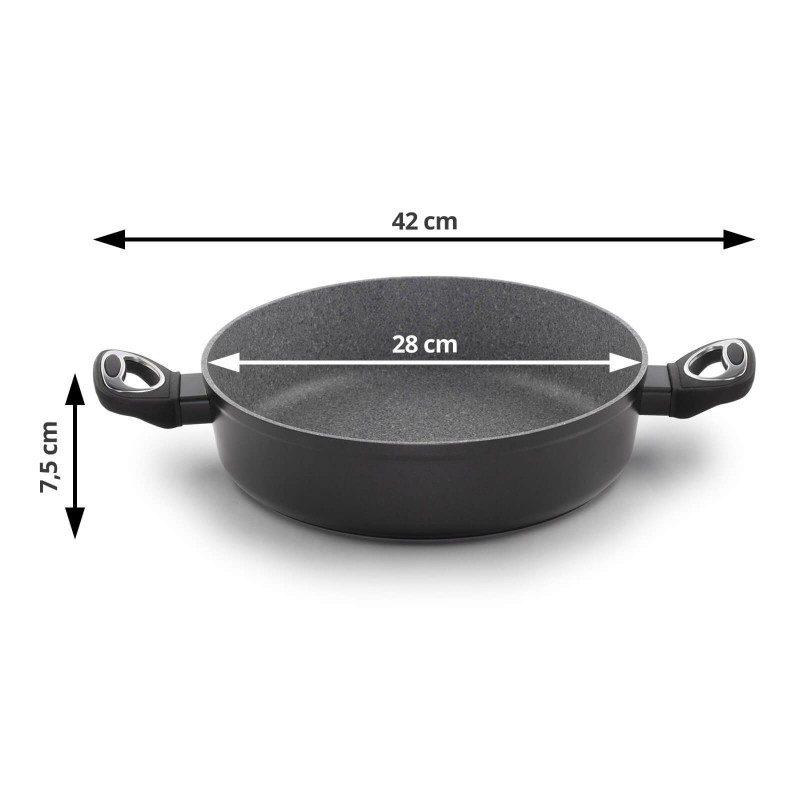 Ponev z dvema ročajema Black Lava Stone premera 28 cm spada v rang premium posode z inovativnim in tehnološko dovršenim hrapavim mineralnim premazom, razvitim v Švici. Neoprijemljiv premaz v videzu vulkanskega kamna omogoča naraven način kuhanja in pečenja, z malo maščobami. Hrana tako zadrži vse potrebne vitamine in minerale, ki jih naše telo potrebuje za zdrav način življenja. Primerna je za vsa kuhališča, tudi indukcijo, enostavna za pomivanje, tudi v pomivalnem stroju. Vsa posoda iz linije Black Lava Stone temelji na večslojni sestavi, s čimer je zagotovljena dolga življenjska doba ter visoka stopnja odpornosti in vzdržljivosti posode.