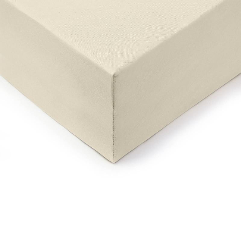 Vrhunska napenjalna rjuha Lyon XXL je narejena iz 100 % česanega bombaža. Česani bombaž je izjemno mehka različica bombaža, izdelana iz posebej obdelanih vlaken, preden jih spletejo v prejo. Jersey način tkanja ustvarja elastično napenjalno rjuho, ki se ne mečka in se odlično prilega ležišču. Rjuha ima po celotnem robu elastiko za lažje vpenjanje na ležišče. Zaradi svojih dimenzij je primerna tudi za višja ležišča do višine 45 cm. Rjuha je pralna na 60 °C.