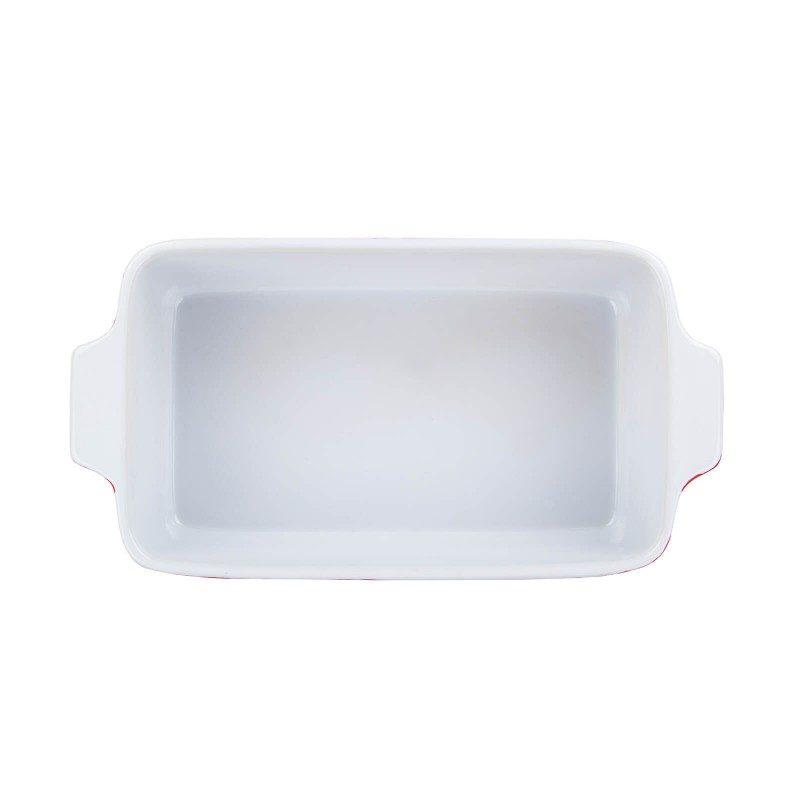 Manjši keramični pekač Rosmarino iz visokokakovostne keramike, žgane pri temperaturi 1200 °C, je izjemno trpežen, fine strukture in odporen na razne kemične vplive. Z modernim videzom in zunanjostjo v rdeči barvi bo vaš novi nepogrešljiv pripomoček pri peki. Zaradi sestave iz trpežne keramike je pekač odporen tudi na visoke temperature do 220 °C, poleg pečice pa je primeren tudi za uporabo v mikrovalovki. Primeren je tudi za hrambo v hladilniku ali zamrzovalniku ter za pomivanje v pomivalnem stroju. Idealen pripomoček za peko mesa, rib, zelenjave, lazanj in peciva.
