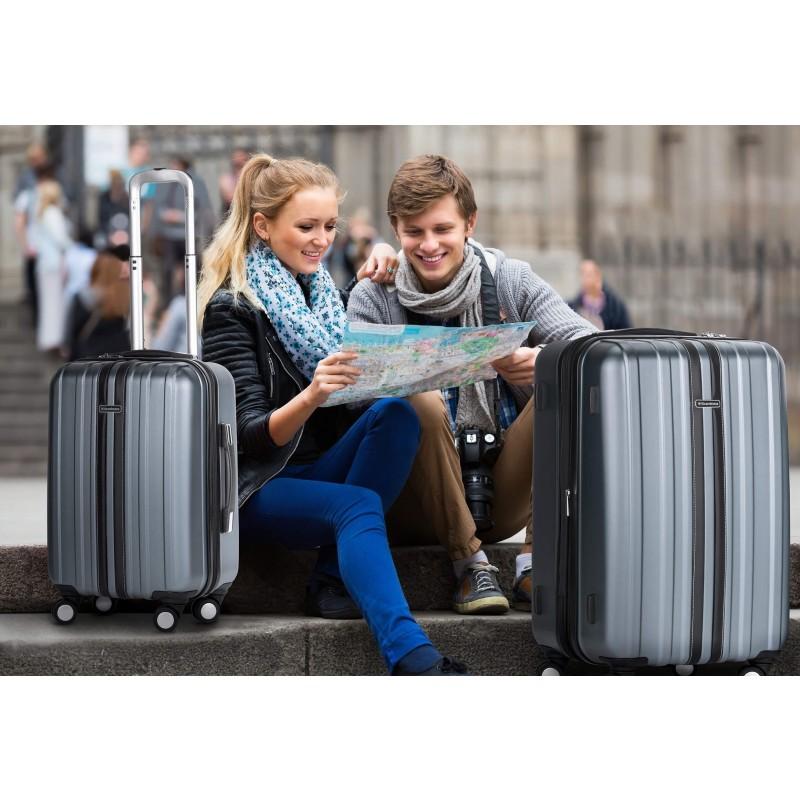 Trdi potovalni kovček Scandinavia predstavlja novo generacijo visokokakovostnih kovčkov iz vodoodbojne ABS plastike. Celotna kolekcija temelji na inovativnosti in izjemni vzdržljivosti, ki je preizkušena in dokazana na večih obremenitvenih testih. Vsi kovčki kolekcije Scandinavia imajo omejeno 5 letno garancijo in so na voljo v petih barvah in dveh velikostih. V setu prejmete majhen (40 l) in velik (65 l) kovček.