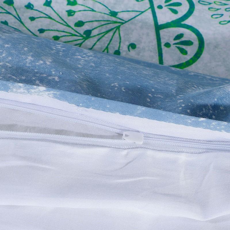 Čas je za popolno razvajanje z moderno bombažno posteljnino! Posteljnina Neysa je iz mehkega bombažnega satena, ki je stkan iz visokokakovostne, tanke preje. Posteljnina iz satena je tako čudovit okras vaše spalnice in hkrati odlična izbira za udoben in prijeten spanec. Naj vas očara moderen dizajn z ornamentalnimi vzorci. Posteljnina je pralna na 40 °C.