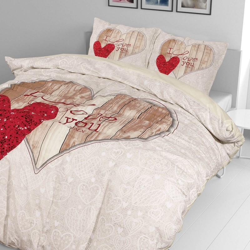 Čas je za popolno razvajanje z moderno bombažno posteljnino! Posteljnina I Love You je iz renforce platna, ki velja za lahko, mehko tkanino, preprosto za vzdrževanje. Naj vas očara moderen dizajn s srčki. Posteljnina je pralna na 40 °C.