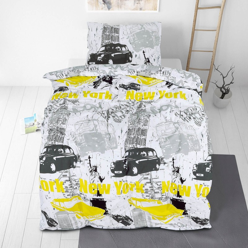 Poskrbite za miren in udoben spanec svojih najmlajših z bombažno posteljnino! Prikupen otroški motiv bo otroke zagotovo navdušil in popeljal v čudovito sanjsko deželo. Posteljnina New York Dream je iz renforce platna, ki velja za lahko, mehko tkanino, preprosto za vzdrževanje. Posteljnina je pralna na 40 °C.
