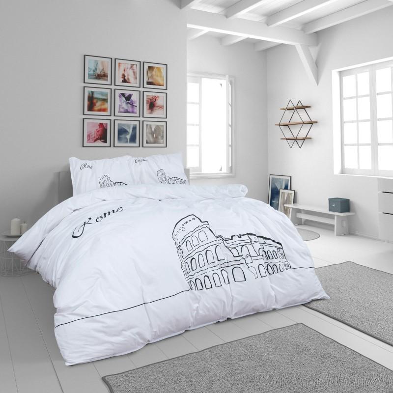 Čas je za popolno razvajanje z moderno bombažno posteljnino! Posteljnina Day in Rome je iz renforce platna, ki velja za lahko, mehko tkanino, preprosto za vzdrževanje. Naj vas očara moderen dizajn z motivom mesta Rim. Posteljnina je pralna na 40 °C.