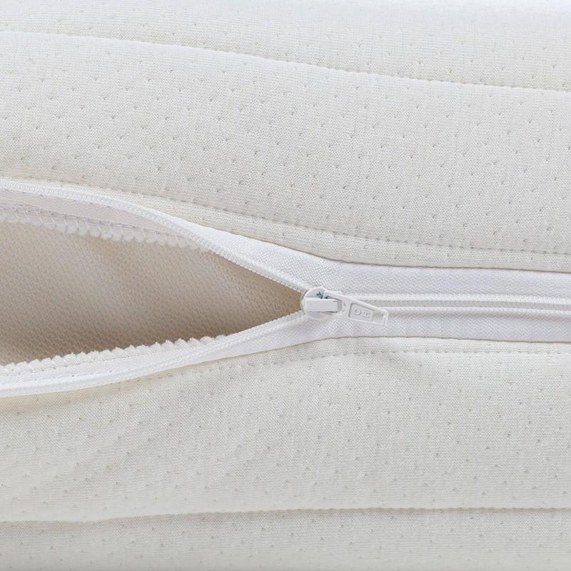 7 consko ležišče iz lateksa Hitex Pure Sleep je visoko 16 cm in poskrbi za popolno podporo vašega telesa in udobje ter zagotavlja, da se boste zjutraj zbudili spočiti in naspani. Jedro iz 100 % lateksa poskrbi za popolno prilagoditev telesu in spalnemu položaju, zraven tega pa latekst vzdržuje optimalno temperaturo in pretok zraka v ležišču. Prevleka ležišča iz visokega deleža bombaža je snemljiva in pralna na 30 °C.