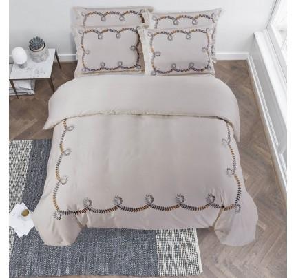Bombažno-satenasta vezena premium posteljnina Svilanit Loara