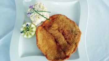 Recept za dunajski zrezek s krompirjevo solato