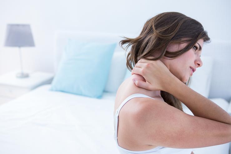 Se zbujate z bolečim vratom?