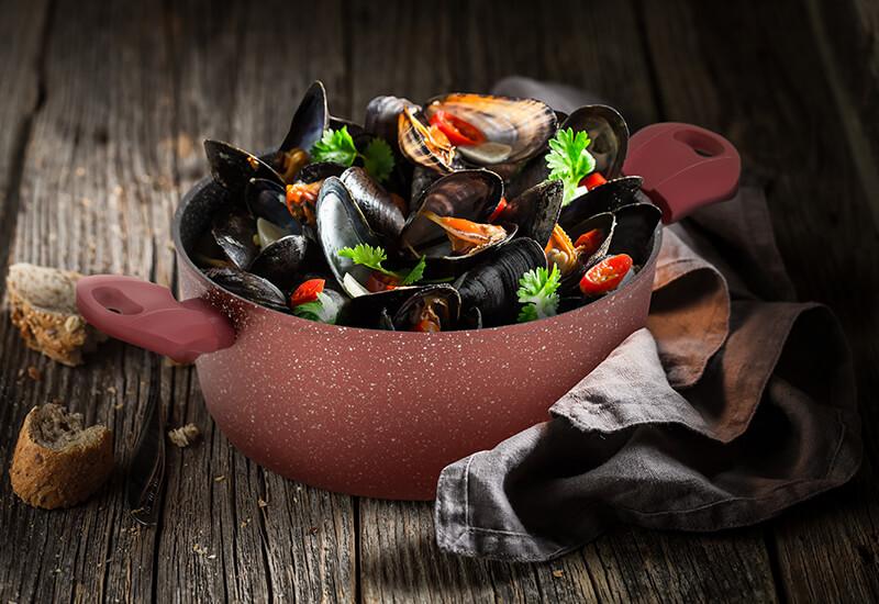 Izbrani kakovostni materiali za hitro kuhanje in dolgo življenjsko dobo posode